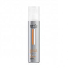 Спрей без аэрозоля подвижной фиксации для волос, 250 мл (Londa Professional)